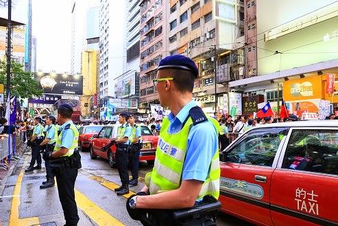 hongkong-julyfirst-03
